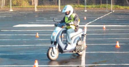 auto-moto-ecole-starter-permis-am-bsr-50cc-formation-125-piste-privee-anglet